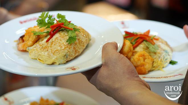 Những quán ăn trên thế giới có lượt khách xếp hàng dài đến cuối phố, muốn ăn phải đợi chờ rất lâu - Hình 11