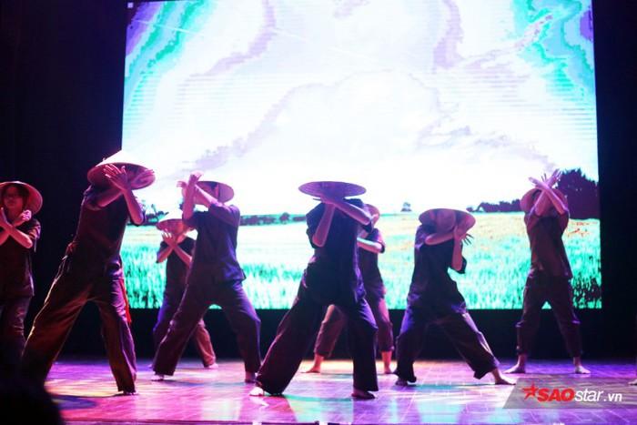 Amser kết hợp võ thuật và vũ đạo lạ mắt, tri ân những người lính Việt xưa - Hình 1