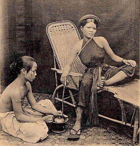 Chùm ảnh: Ngẩn ngơ yếm thắm của kiều nữ Việt xưa - Hình 1