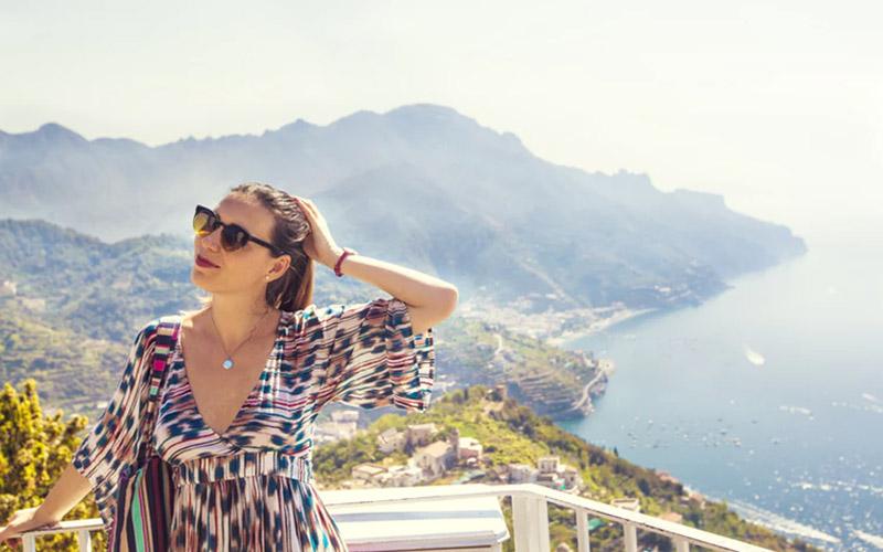 Mặc gì để thật xinh đẹp và năng động khi đi du lịch biển? - Thời trang