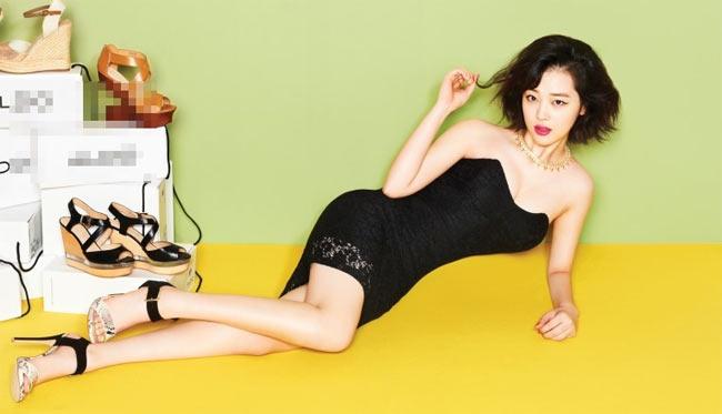 Việt Nam có Chi Pu, Hàn Quốc có cô gái này cũng gợi cảm kiểu ngây thơ - Hình 9