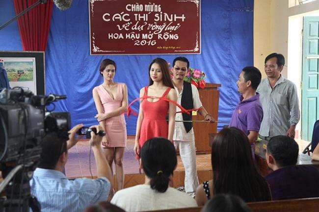 Mỹ nữ làng hài khiến Chiến Thắng, Quang Tèo giành giật cực gợi cảm với bra - Hình 4