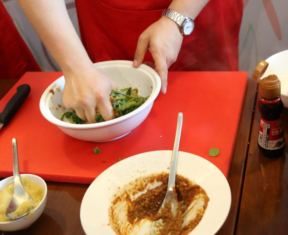 Đầu bếp nổi tiếng Hàn Quốc bật mí công thức món ngon với tương đậu hũ - Hình 8