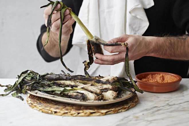 Team ghét hành sẽ phải phát điên với món ăn truyền thống Tây Ban Nha này - Hình 9