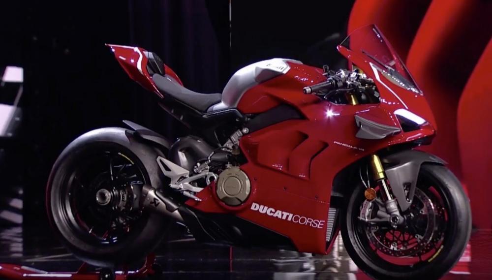 Ducati bất ngờ ra mắt siêu mô tô Panigale V4R 2019 với cánh gió và hàng loạt trang bị cao cấp - Hình 1