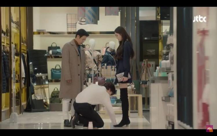'The Beauty Inside' tập 11,12: Lee Min Ki và Seo Hyun Jin lộ bí mật thân thế, Ahn Jae Hyun từ bỏ ước mơ để theo đuổi Lee Da Hee - Hình 11