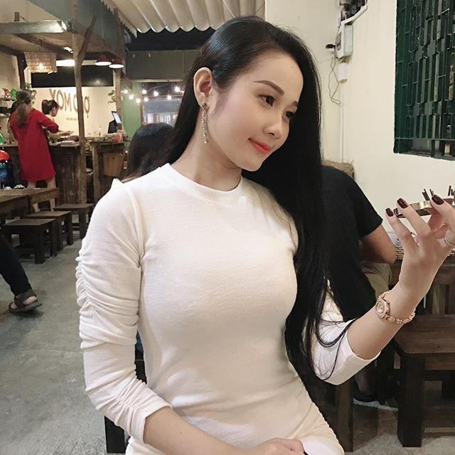 Top 5 hot girl của ĐTVN: Bạn gái Lâm tây giành... Quả bóng hồng - Hình 5