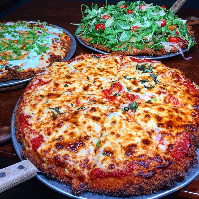 Trông bình thường như thế nhưng chiếc pizza này có giá hơn cả triệu, phải chăng có điều bí mật gì? - Hình 12