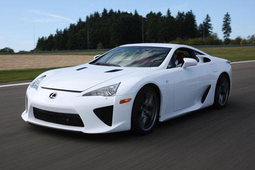 Top 10 siêu xe sử dụng vỏ bằng sợi carbon - Hình 5