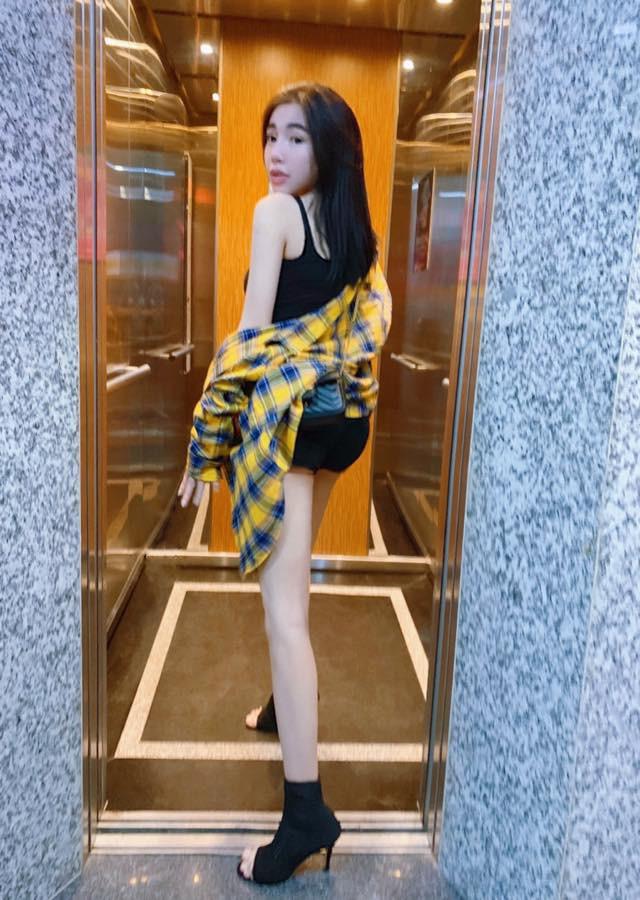 Elly Trần khoe dáng quyến rũ, gợi cảm - Hình 6