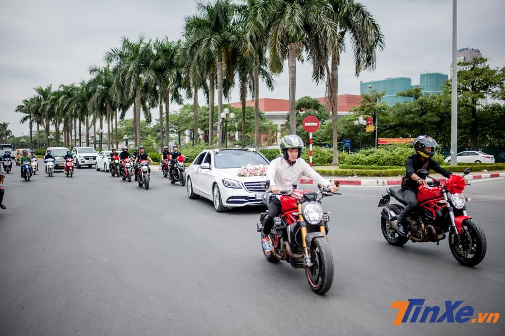 Thích thú với đoàn xe rước dâu Mercedes-Benz S-Class và Ducati hộ tống tại Hà Nội - Hình 1