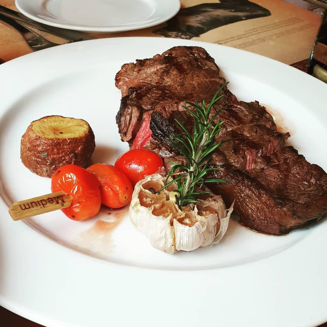 4 nhà hàng steak đắt xắt ra miếng cuốn hút hội sành ăn ở TP.HCM - Hình 10