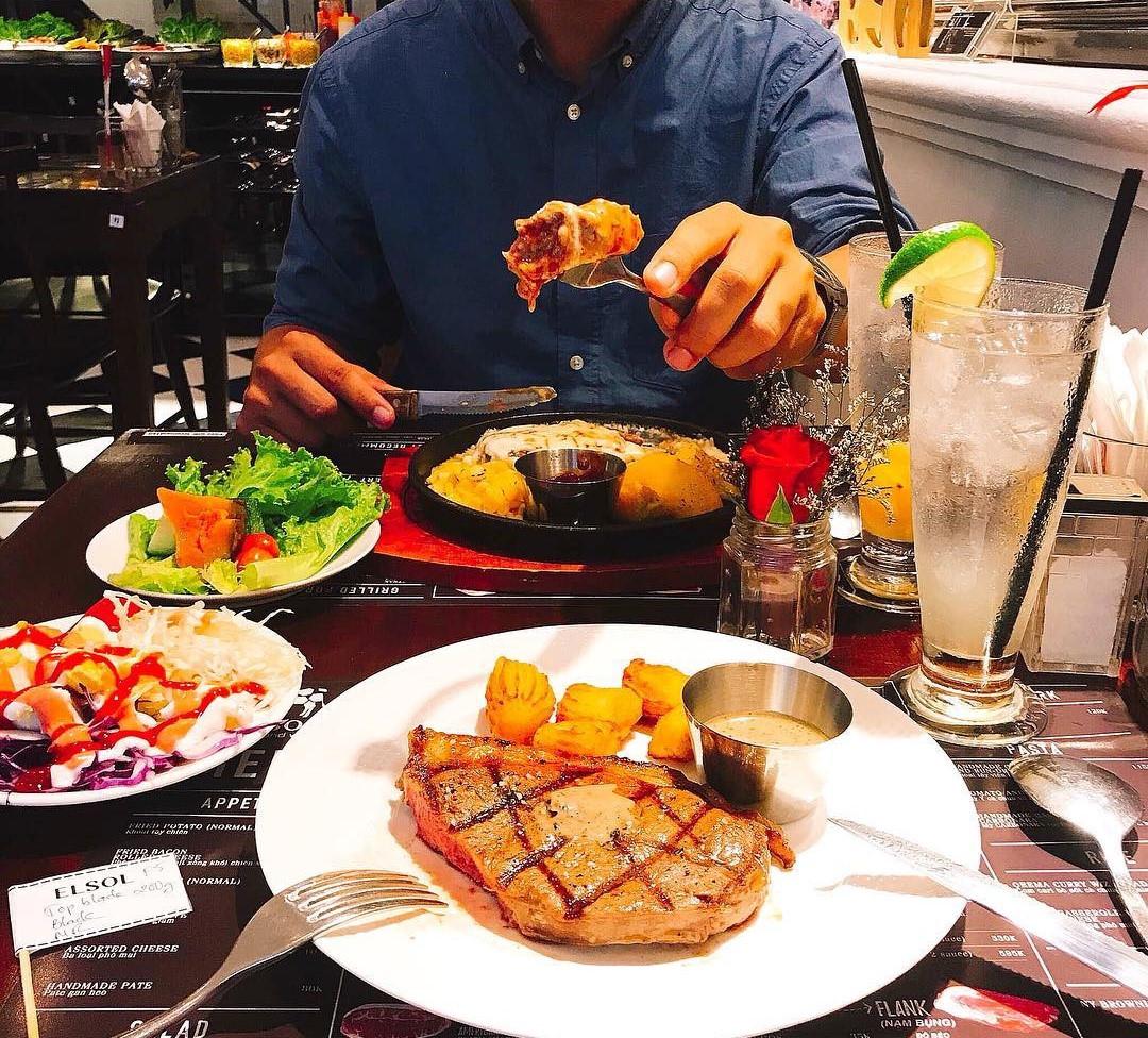 4 nhà hàng steak đắt xắt ra miếng cuốn hút hội sành ăn ở TP.HCM - Hình 20