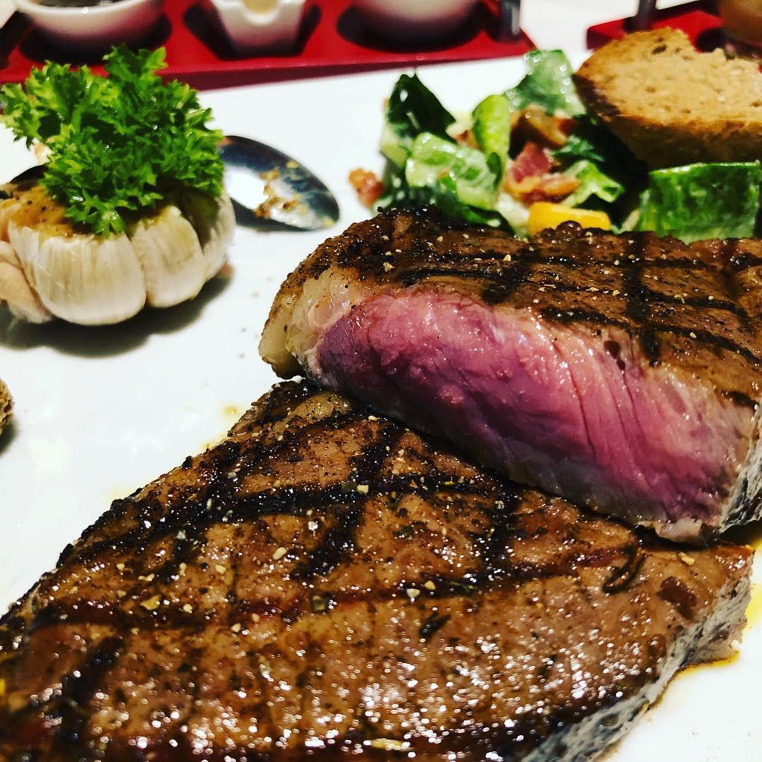 4 nhà hàng steak đắt xắt ra miếng cuốn hút hội sành ăn ở TP.HCM - Hình 15