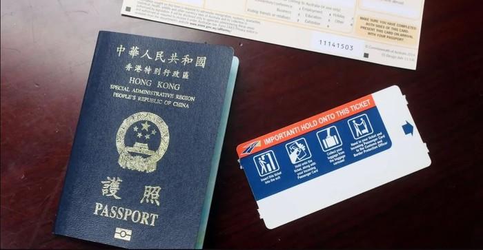 Công chúa Huawei bị bắt có đến 7 cuốn hộ chiếu - Hình 1