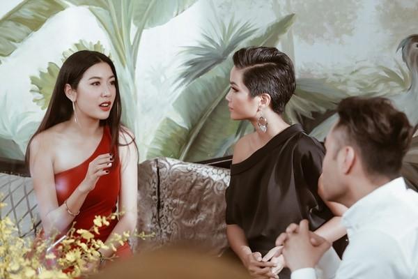 H'Hen Niê sẽ làm nên chuyện trong phần thi interview tại Miss Universe 2018? - Hình 2