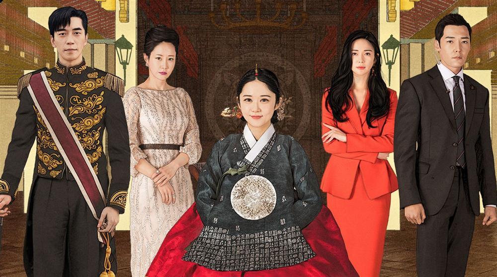 Dù là ảnh hậu trường, Kim Hee Sun vẫn khiến cư dân mạng choáng ngợp vì quá đẹp - Hình 8