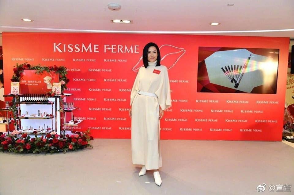 Hai chị đại thành công nhất của TVB: Đã ngoại tứ tuần vẫn miệt mài đóng phim và dự sự kiện - Hình 6