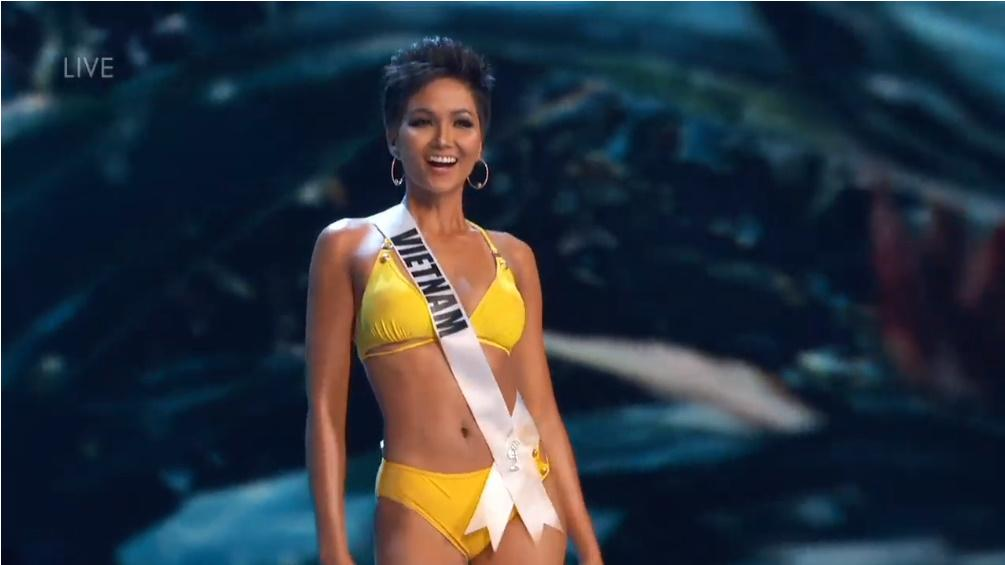 H'Hen Nie rạng rỡ, nụ cười luôn trên môi trong đêm bán kết Miss Universe 2018 - Hình 4