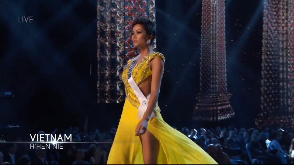 H'Hen Nie rạng rỡ, nụ cười luôn trên môi trong đêm bán kết Miss Universe 2018 - Hình 6