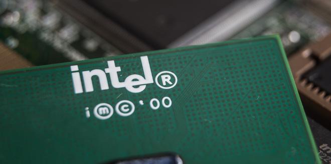 Intel vừa công bố đột phá phi thường trong thiết kế chip: xếp theo chiều dọc thay vì ngang như truyền thống - Hình 1
