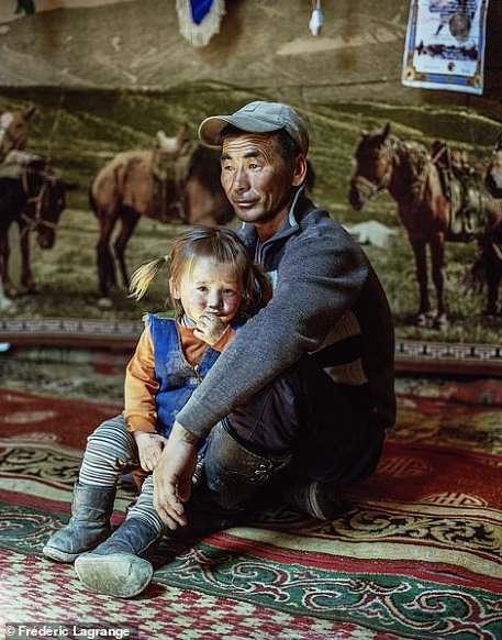 Khám phá cuộc sống đời thường yên bình ở thảo nguyên Mông Cổ - Hình 8