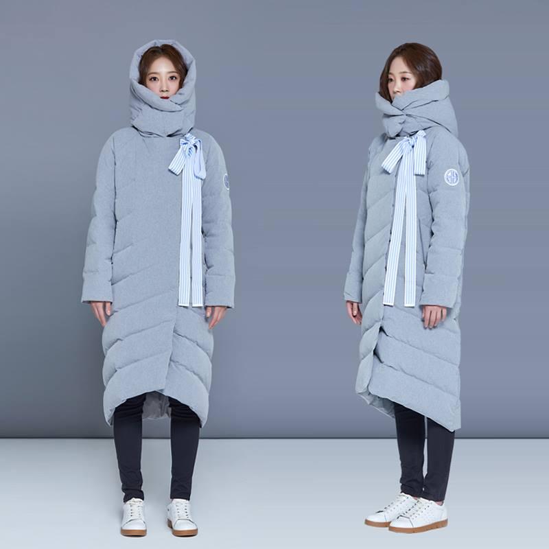 Mùa Đông không lạnh với áo khoác phong cách quấn chăn lăn ra đường - Hình 7