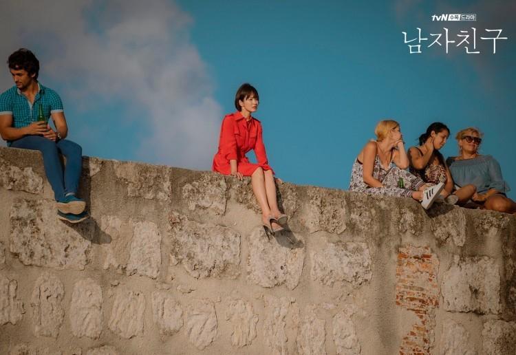 Nhìn gia tài phim của Song Hye Kyo mới thấy bà xã Song Joong Ki từng gây thổn thức biết bao thế hệ! - Hình 21