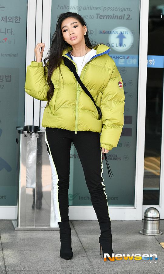 Trời lạnh đừng bỏ lỡ những công thức lên đồ thần thánh của Taeyeon, Seo Hyun Jin - Hình 10