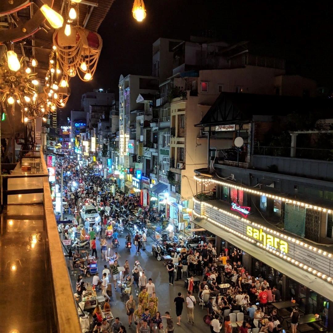 3 con đường nhậu xuyên đêm ở TP.HCM để cùng vui cổ vũ tuyển Việt Nam - Hình 2