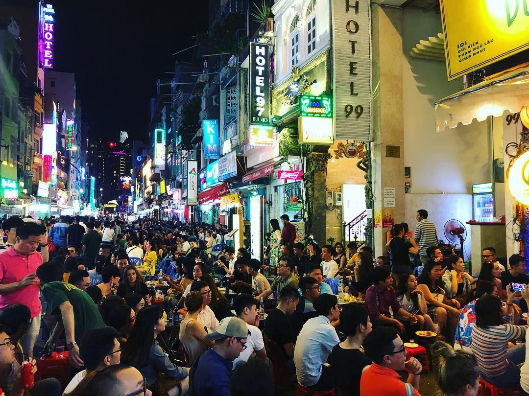 3 con đường nhậu xuyên đêm ở TP.HCM để cùng vui cổ vũ tuyển Việt Nam - Hình 5