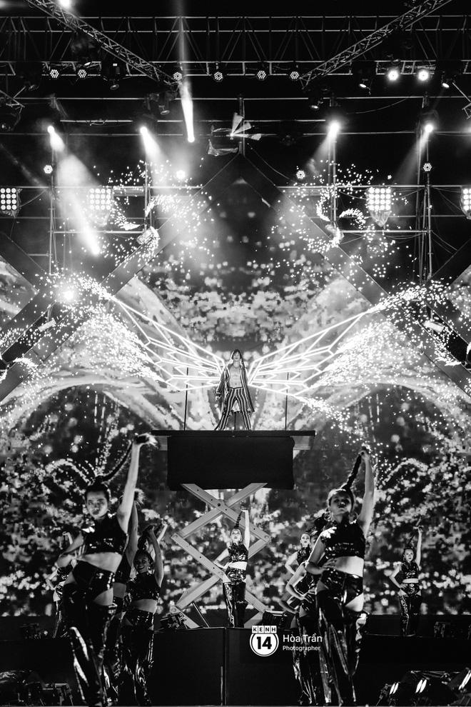 Fan Việt vỡ òa với loạt sân khấu hoành tráng của EXID cùng dàn sao Vpop khủng - Hình 26