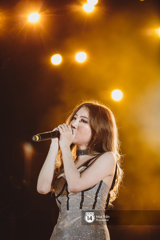 Fan Việt vỡ òa với loạt sân khấu hoành tráng của EXID cùng dàn sao Vpop khủng - Hình 20