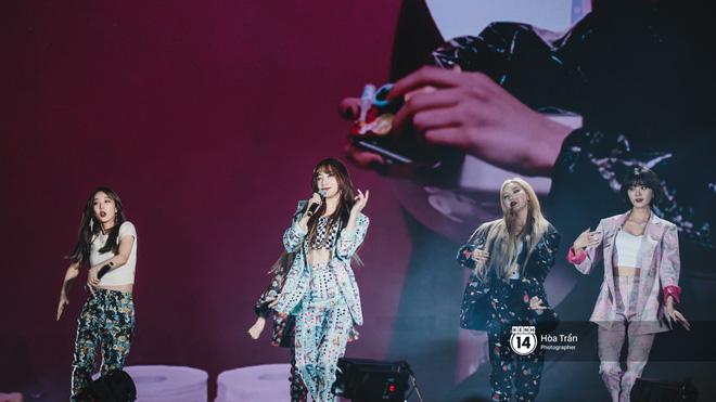 Fan Việt vỡ òa với loạt sân khấu hoành tráng của EXID cùng dàn sao Vpop khủng - Hình 40