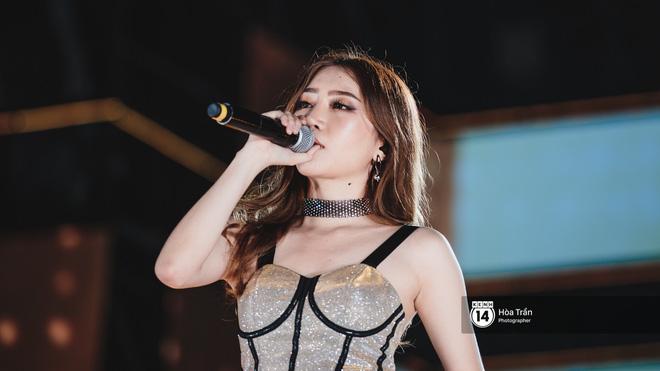 Fan Việt vỡ òa với loạt sân khấu hoành tráng của EXID cùng dàn sao Vpop khủng - Hình 18