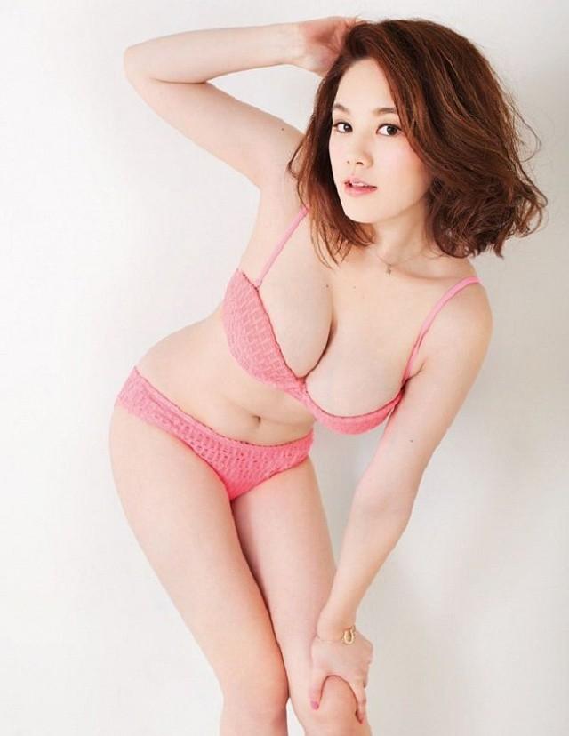 Nhan sắc 2 nàng mẫu Nhật mỡ màng, phổng phao làm đổ gục cánh mày râu - Hình 12