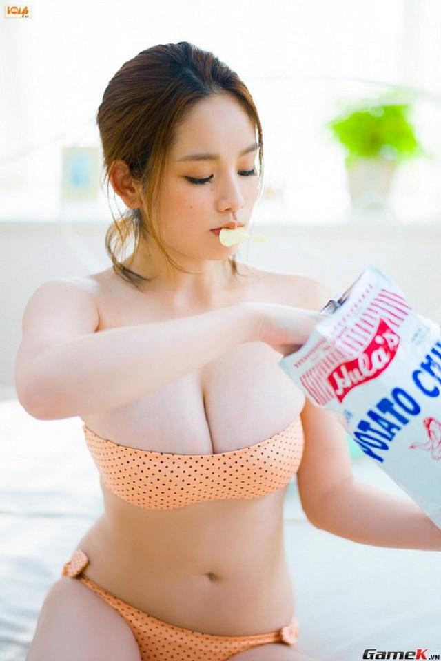 Nhan sắc 2 nàng mẫu Nhật mỡ màng, phổng phao làm đổ gục cánh mày râu - Hình 11