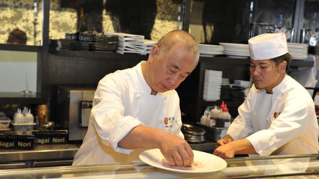 Đầu bếp người Nhật nổi tiếng tiết lộ cách ăn sushi hoàn hảo nhất - Hình 1