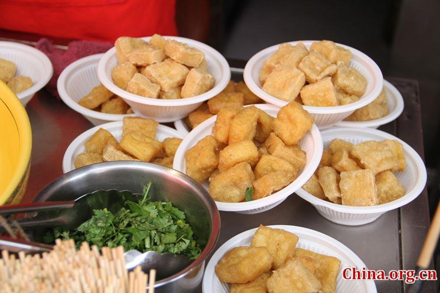 Đến Bắc Kinh nhất định phải dạo phố thử hết những món ăn vặt này - Hình 2