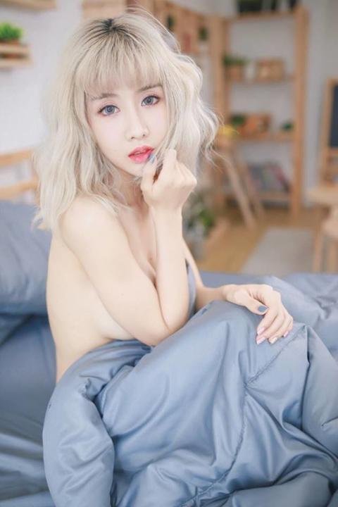Giật mình với thân hình mời gọi của cô gái quyến rũ nhất Thái Lan - Hình 23