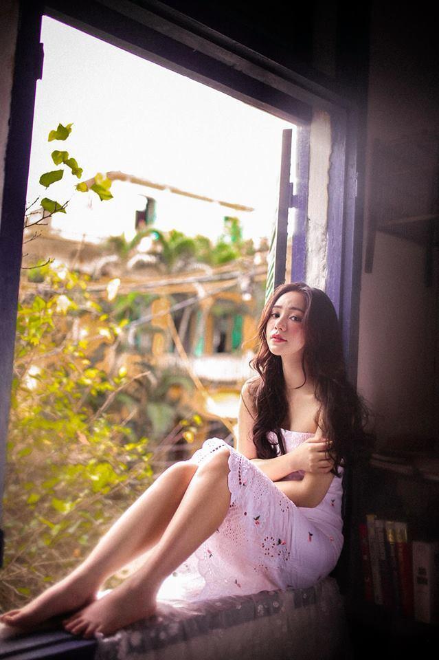 Quỳnh Kool khoe vẻ đẹp mong manh, buông lơi vai trần đầy quyến rũ - Hình 11