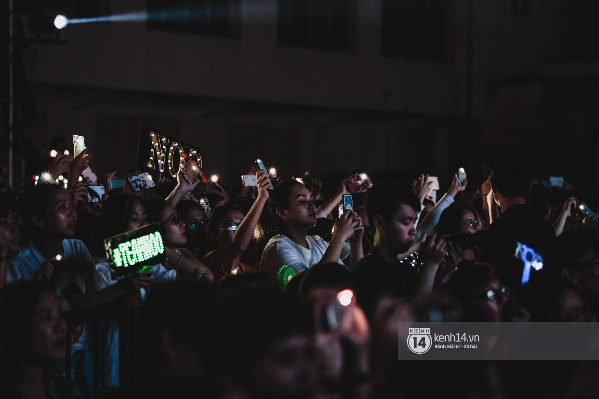 Noo Phước Thịnh với fan Sài thành trong showcase mừng sinh nhật tuổi 30 - Hình 10