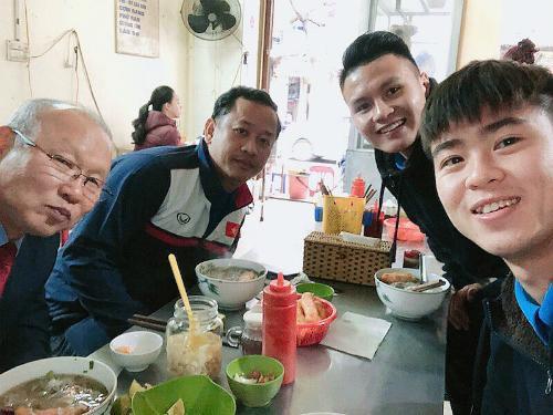 Tuyển tập các món ăn HLV Park Hang-seo cực yêu thích ở Việt Nam - Hình 4