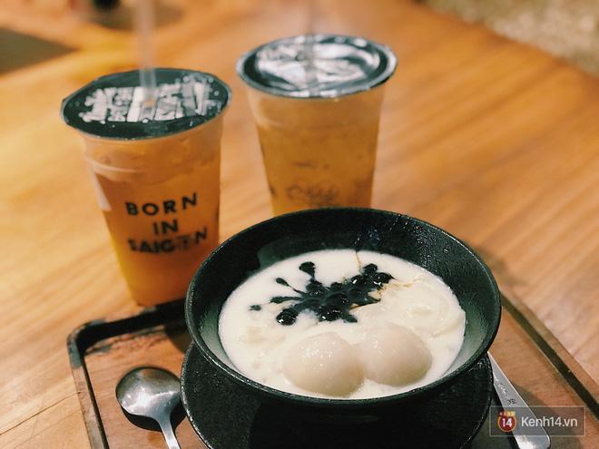 Đố nơi nào ăn uống trội bằng Sài Gòn: bánh trôi nước ăn với mì, bánh canh lại có cả cốt dừa và đậu xanh - Hình 1