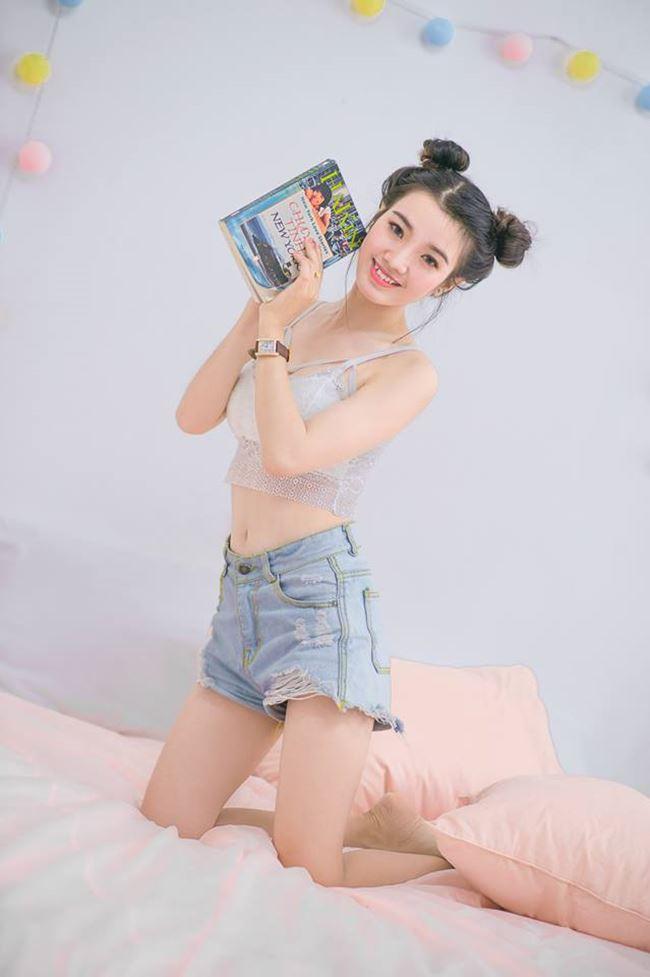 Hot girl mô tô Sài Gòn: Mặc váy ngắn ảnh hưởng xấu lúc tham gia giao thông - Hình 7