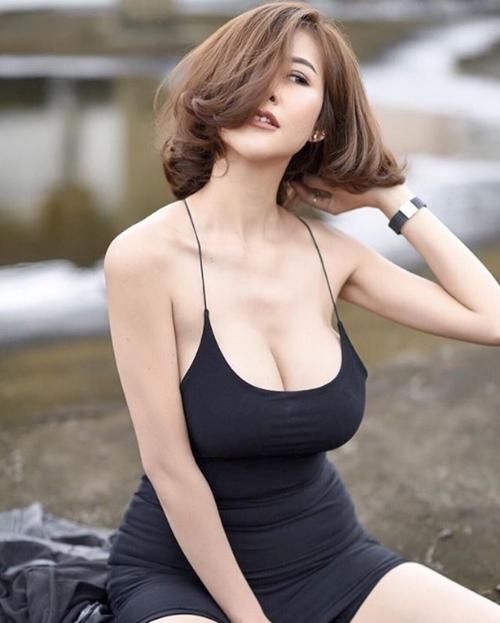 Hết hồn với nàng người mẫu Thái Lan có núi đôi căng tràn như sắp nổ tung - Hình 10