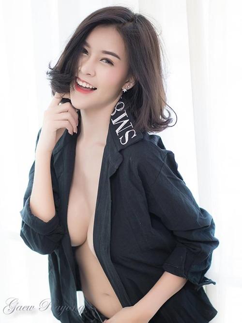 Hết hồn với nàng người mẫu Thái Lan có núi đôi căng tràn như sắp nổ tung - Hình 12