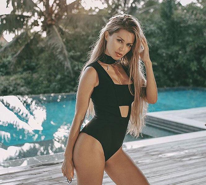 Ngắm siêu mẫu đầy gợi cảm bạn gái Fellaini - Hình 2