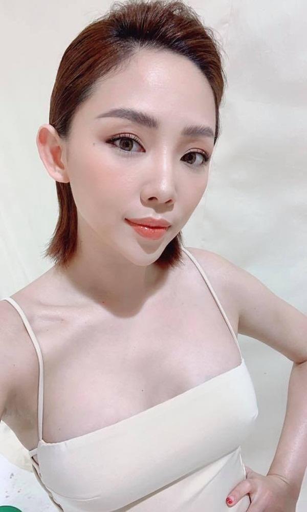 Những mỹ nhân có khuôn ngực tự nhiên gợi cảm nhất showbiz Việt - Hình 4