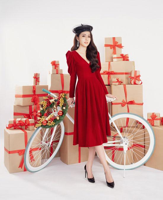Hoa hậu Biển Việt Nam toàn cầu 2018 Kim Ngọc quyến rũ trong bộ ảnh Giáng sinh - Hình 3